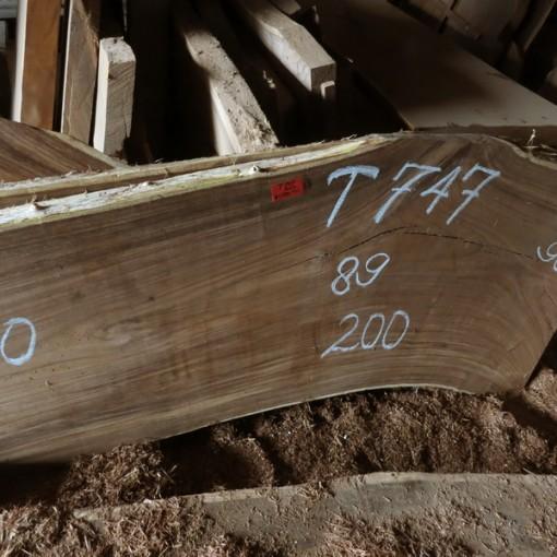 T747,